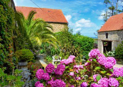 Le Jardin - Entre les murs de la cour principale
